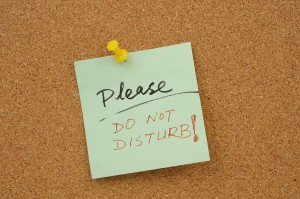 3 Ways to Be Productive in A Distracting Environment